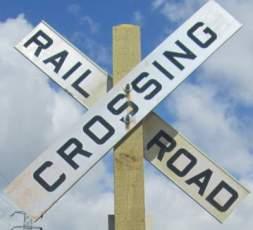 Railroad-crossing-sign-Springwater-Corridor-Portland-OR-4-25-2016