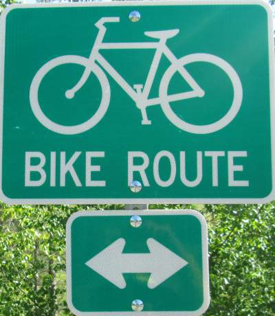 Bike-route-sign-Trail-of-the-Coeur-d'Alenes-ID-5-12-2016