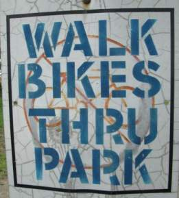 Walk-bikes-sign-Great-Miami-River-Trail-Dayton-OH-5-3-17