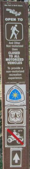 Hiking-sign-North-Country-NST-MN-5-16-17