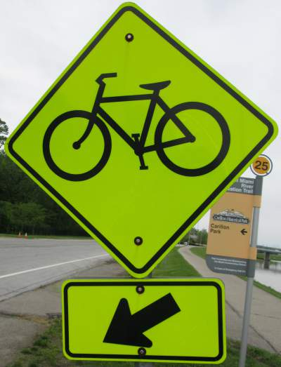 Bicycle-sign-Great-Miami-River-Trail-Dayton-OH-5-3-17