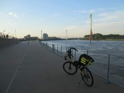 Jim-Schmid's-Bacchetta-Giro-recumbent-Riverfront-Trail-Council-Bluffs-IA-Omaha-NE-5-15-17