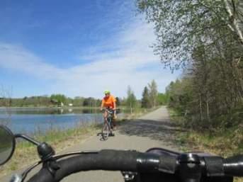 Biker-and-Jim-Schmid's-Bacchetta-Giro-recumbent-Paul-Bunyan-Trail-MN-5-13-17