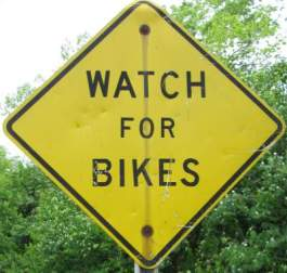 Watch-for-bikes-sign-Great-Miami-River-Trail-Dayton-OH-5-3-17