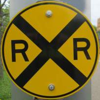 R-and-R-sign-Midtown-Greenway-Minn-MN-5-10-17