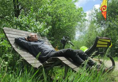 Jim-Schmid-resting-Bacchetta-Giro-recumbent-Wabash-Trail-IA-5-18-17