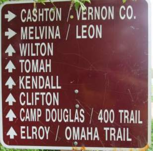 Direction-sign-Elroy-Sparta-Trail-WI-5-8&9-17