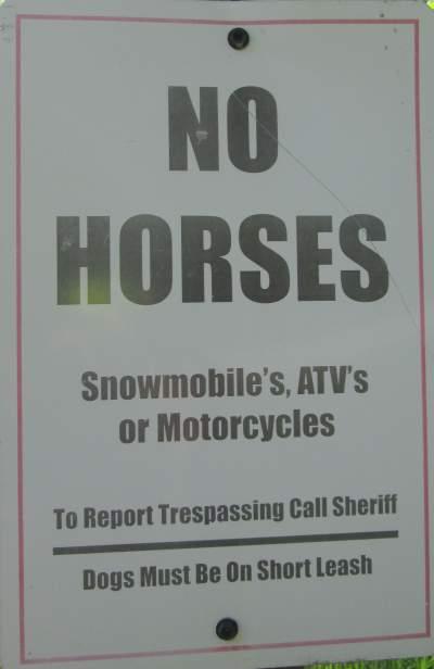 No-horses-sign-Wabash-Trail-IA-5-18-17
