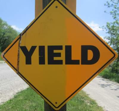 Yield-sign-Wabash-Trail-IA-5-18-17
