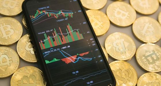 ビットコインとチャート画像