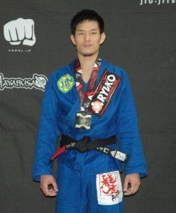 20160416-kagiyamasimon-podium-400x330