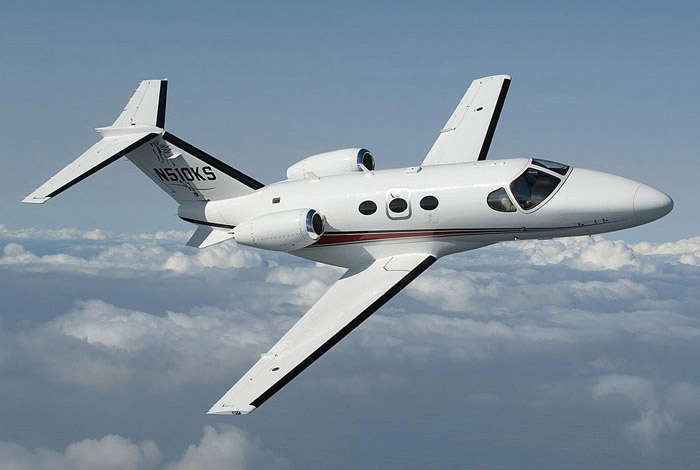 เครื่องบิน Cessna Mustang