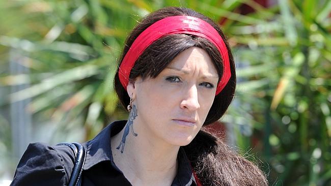 นาง 651-26 Elizabeth Edmunds โดนข้อหาฉ้อโกงประชาชน