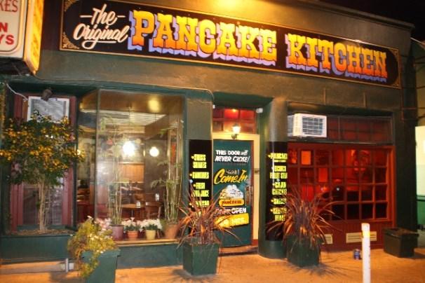 ร้าน Original Pancake Kitchen ที่อ้างว่าเป็นร้านต้นแบบร้านแพนเค้กเปิด 24 ชั่วโมงในออสเตรเลีย