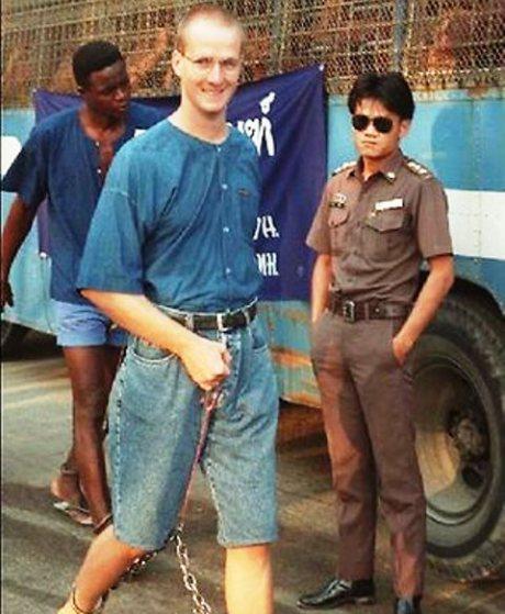 นาย Martin Garnett ขณะถูกดำเนินคดีในประเทศไทย