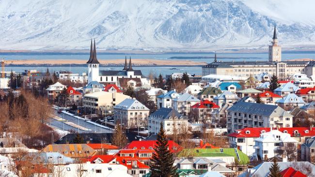 ประเทศไอซ์แลนด์ที่ได้ชื่อว่าเป็นประเทศที่ปลอดภัยที่สุดในโลก : ภาพจาก news.com