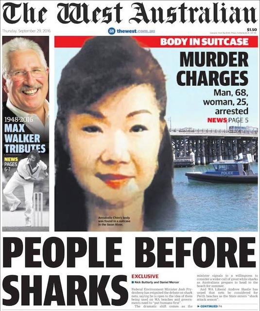 """นสพ. The West Australian ฉบับ 29 ก.ย. 2016 พาดหัวข่าว """"ศพในกระเป๋า - ตั้งข้อหาฆาตกร - ชายวัย 68 ปี หญิงวัย 25 ปีถูกจับกุม"""