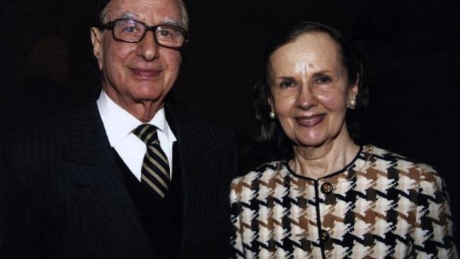 นาย Issac และนาง Susan Wakil : ภาพจากนสพ. The Financial Review