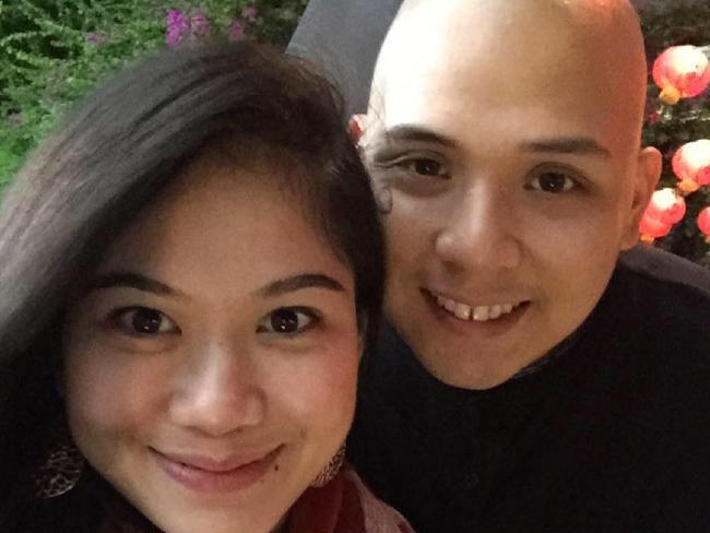 น.ส. Laarni Osorio และนาย Daune Burgos ถูกเนรเทศกลับฟิลิปปินส์ : ภาพจากนสพ. The Courier Mail