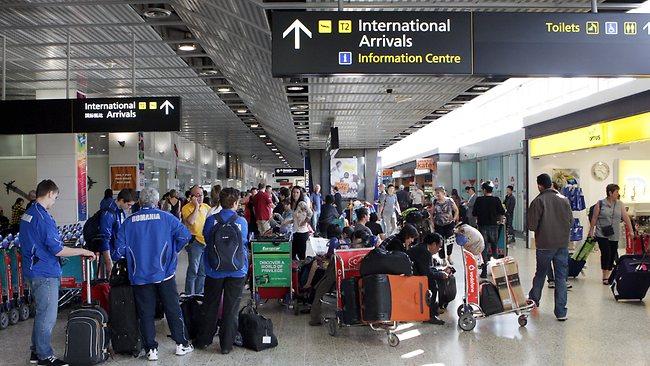 สนามบินเมลเบิร์นเป็นหนึ่งในสนามบินที่ดร. Jim Kent ระบุมีความเสี่ยงต่อการก่อการร้าย : ภาพจากหนังสือพิมพ์ Herald Sun