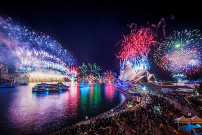 วันส่งท้ายปีเก่าตอนรับปีใหม่ที่ 2015-16 ถ่ายจาก Circular Quay