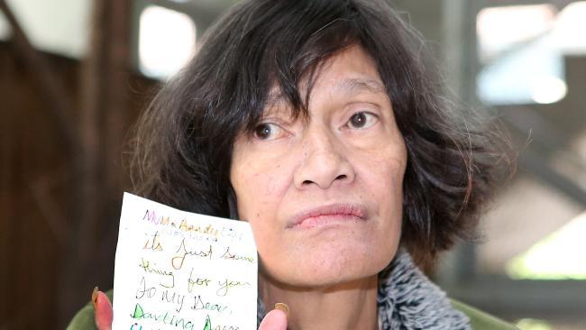 นาง Emily Gargasoulas มารดาของผู้ก่อเหตุ : ภาพจากนสพ. Herald Sun