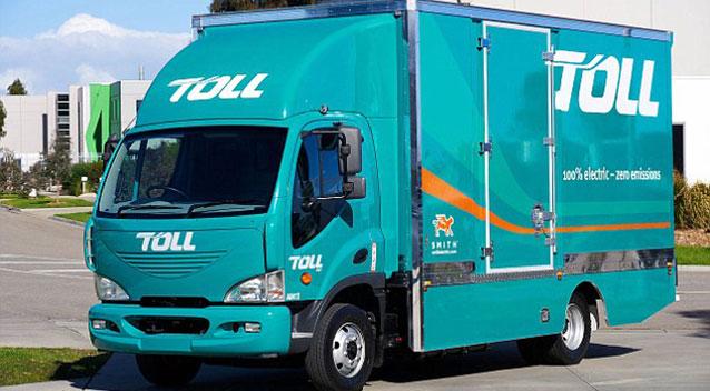 รถส่งคูเรียร์ของบริษัท Toll Group ที่นาย Gary Baron เคยทำงานกับเพื่อน ๆ : ภาพจาก 7 News