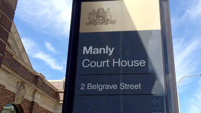 ศาลแขวงและศาลท้องถิ่น Manly : ภาพจากนสพ. The Telegraph