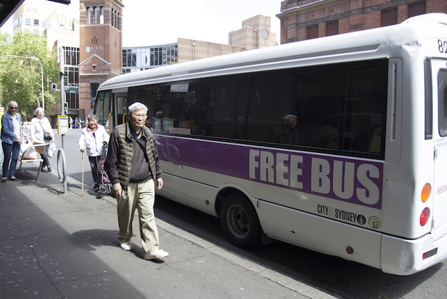 ภาพบริการรถบัสฟรี Village to Village FREE Shuttle Services ของ Access Sydney : ภาพจาก Access Sydney