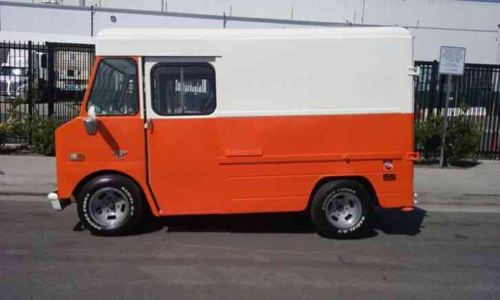 Chevrolet P10 1968 Van Box Trucks