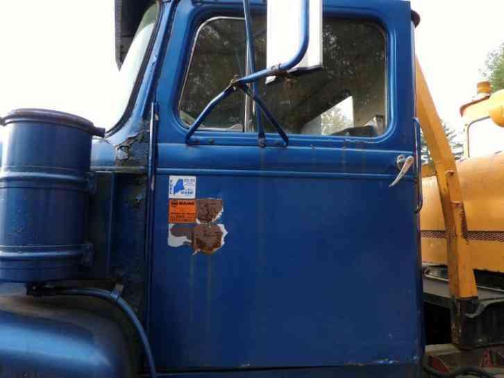 WHITE 9000 1975 Heavy Duty Trucks