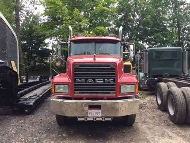 Mack Cl733 Daycab Semi Trucks