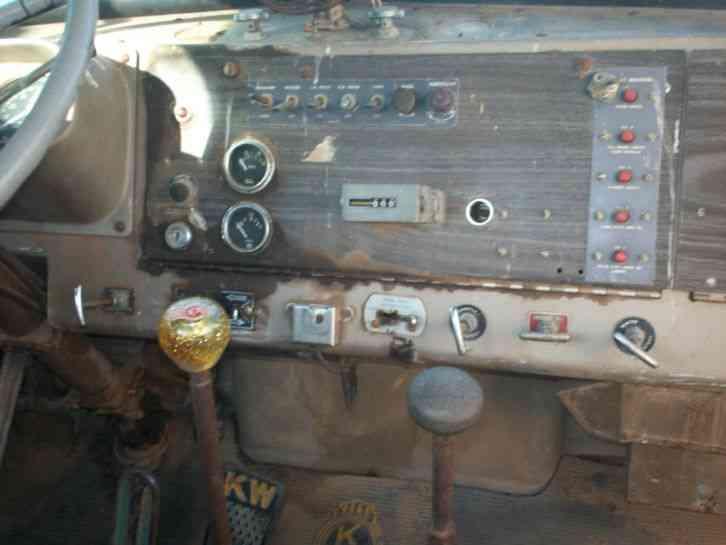 Kenworth W900 W923 1969 Daycab Semi Trucks