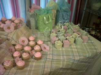 cupcake table 2