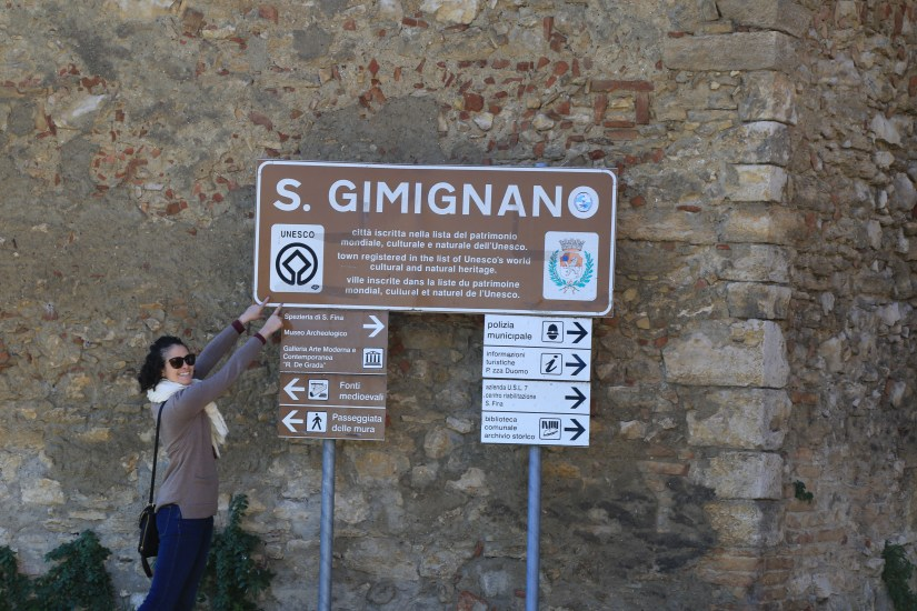 san gimigano unesco sign