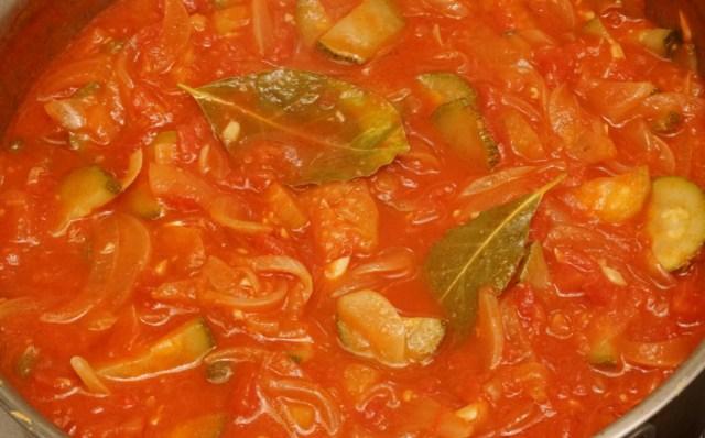 夏野菜のトマトソース