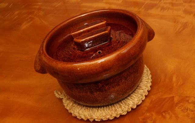 雲井窯の中川一辺陶の飴釉御飯鍋