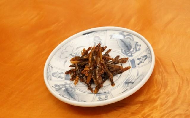 マテ貝の佃煮の盛り付け方