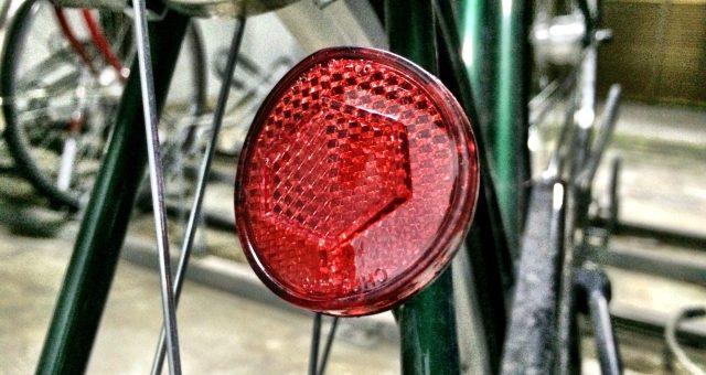 自らの身を守る!絶対につけるべき自転車の反射板