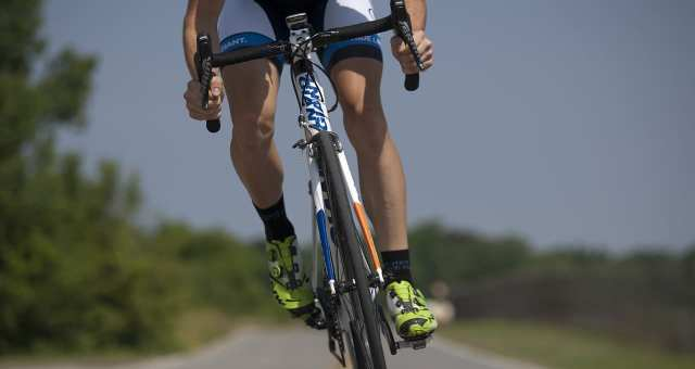 快適な走行のためのロードバイクのハンドルポジションとサドルポジション