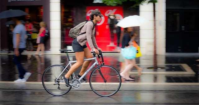 初心者女性にはクロスバイクがおすすめ!2017年モデル8選