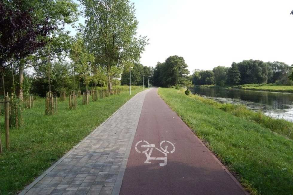 cycle-route-397723_1280