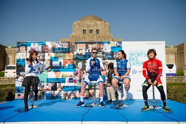 ステージイベント:アーロン・ペリー ステファニー マッケンジー 鈴木真理選手
