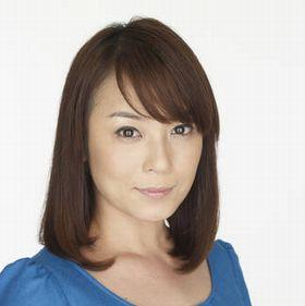 ミディアムヘアの佐藤仁美さん