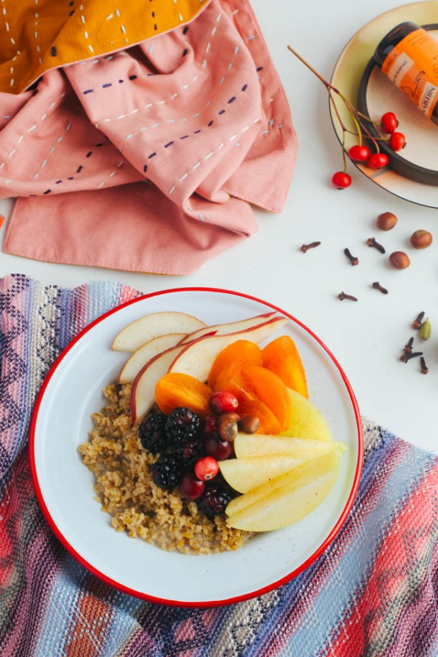 fall-fruit-breakfast-bowl-caramel-15