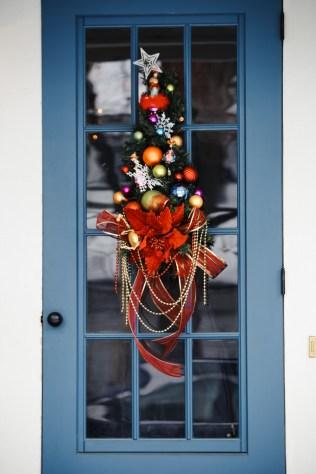 woodstock-wassail-weekend-door-hanging-1