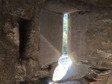 Château de Chillon arrow slit
