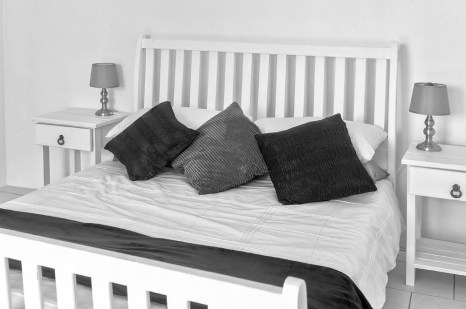 Bed 0867-BW LO