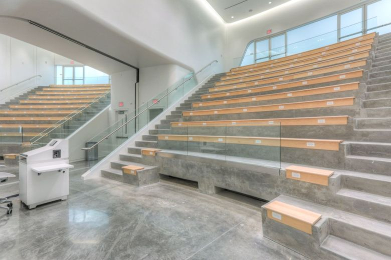 innovation-science-and-technology-building-by-santiago-calatrava-15