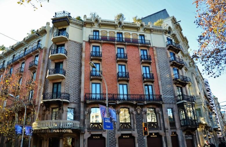 001 WLM14ES_-_Casa_Enric_Batlló_(Hotel_Condes_de_Barcelona),_Eixample,_Barcelona_-_MARIA_ROSA_FERRE_(1)